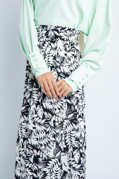Black Tropical Print Flared Skirt