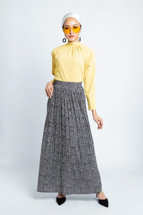 Black Petals Pleated Skirt